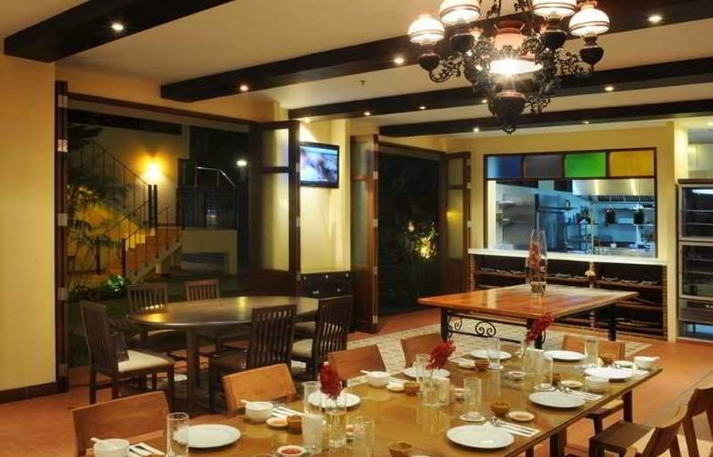Baan Khun Nine - Restaurant - 2