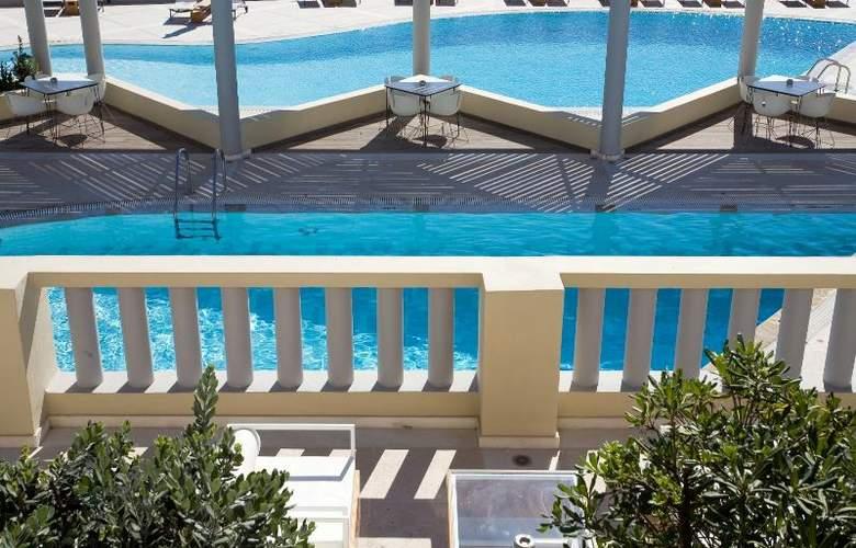 The Majestic Hotel Santorini - Hotel - 9