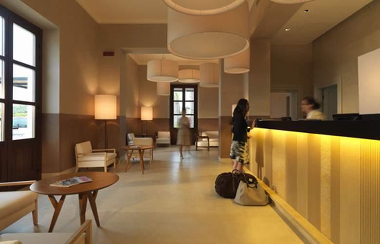 Hilton Capital Grand Abu Dhabi - Hotel - 5