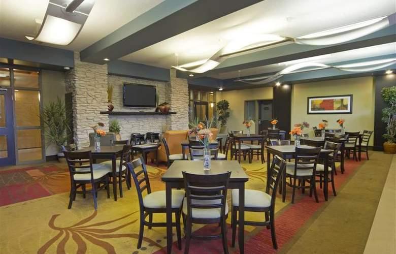 Best Western Plus The Inn At St. Albert - Restaurant - 141