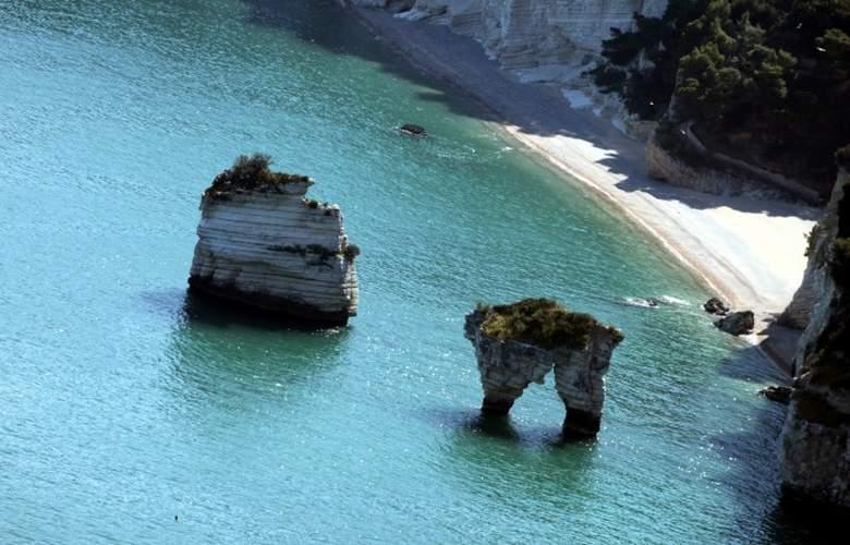 Baia dei Faraglioni Luxury Beach Resort - Beach - 0