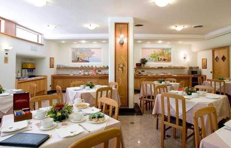 Comfort Hotel Gardenia Sorrento Coast - Restaurant - 6