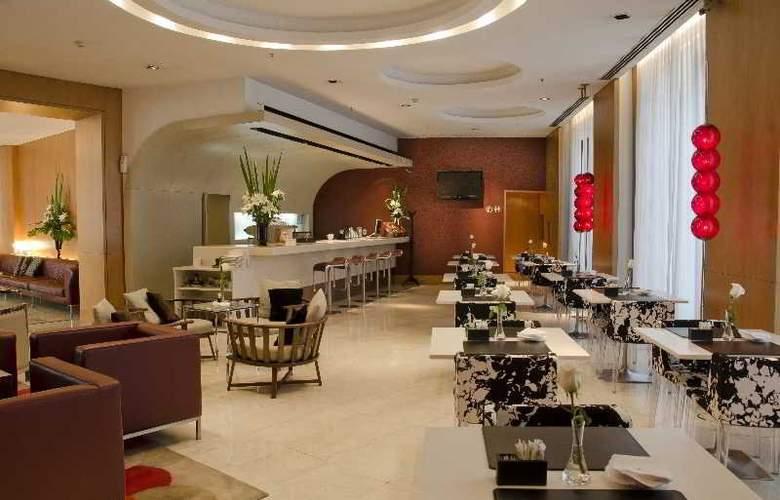 725 Continental Hotel - Bar - 13