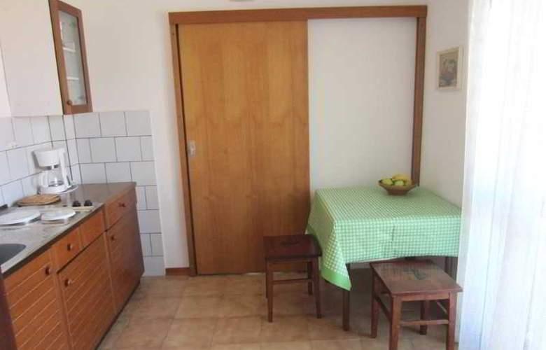Baresic Apartmani - Room - 8