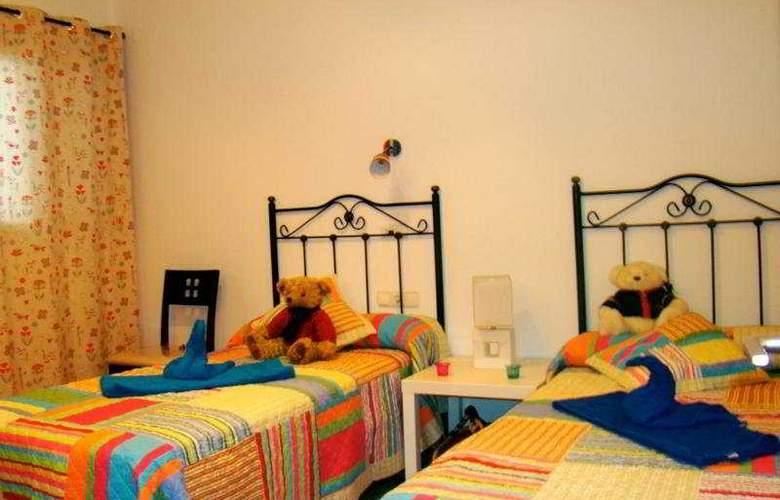 Villa Pichy - Room - 0