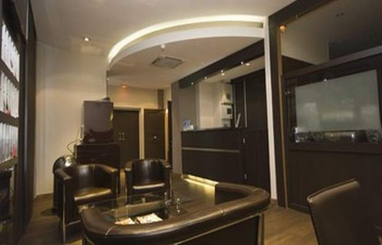 Victor Masse - Hotel - 0