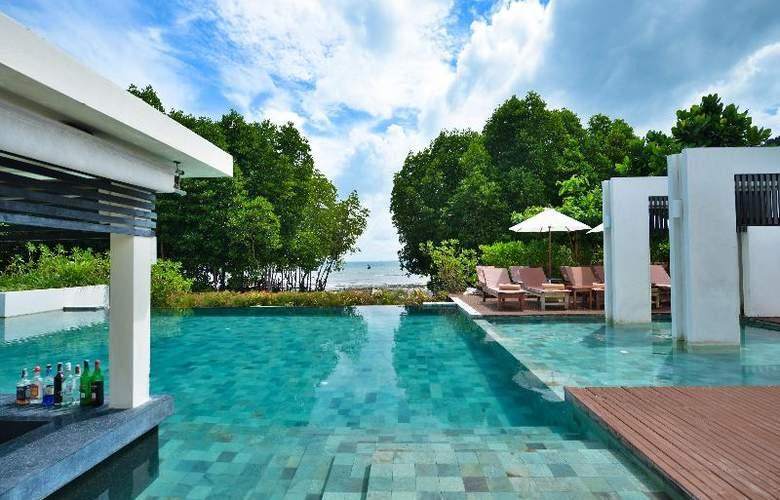 Bhu Nga Thani Resort and Spa - Pool - 21