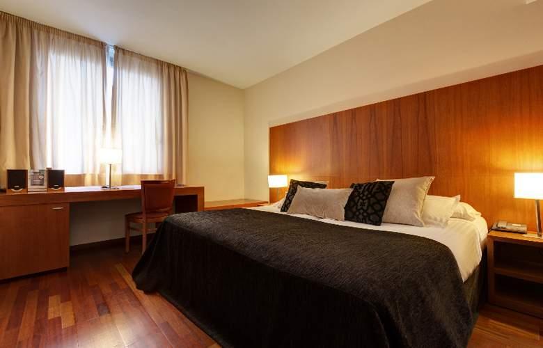 Acevi Villarroel - Room - 5