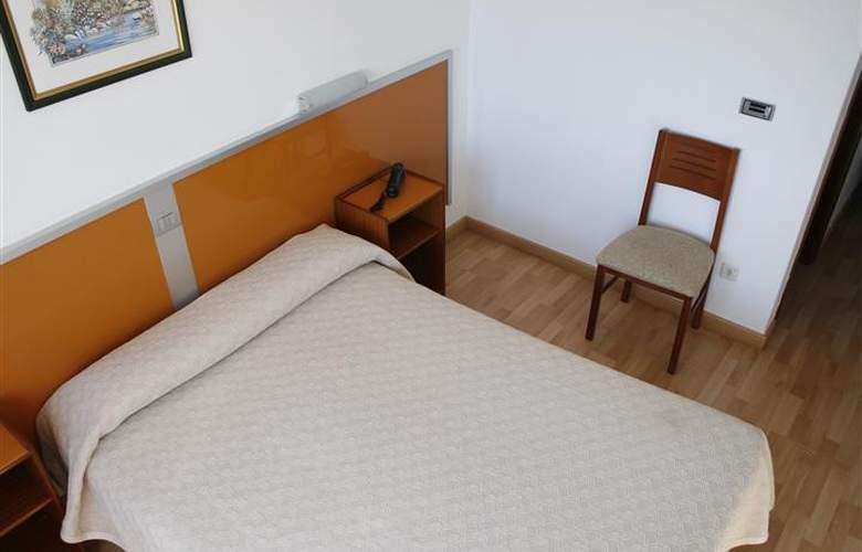 Liste - Room - 5