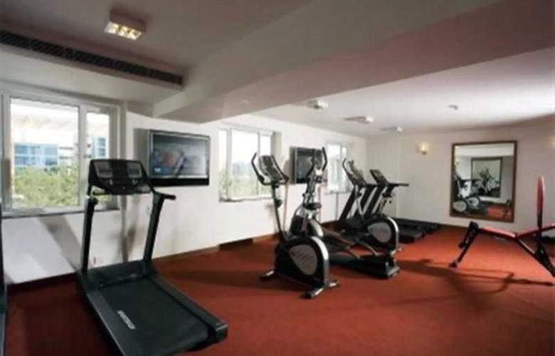 Lemon Tree Hinjawadi Pune Hotel - Sport - 7