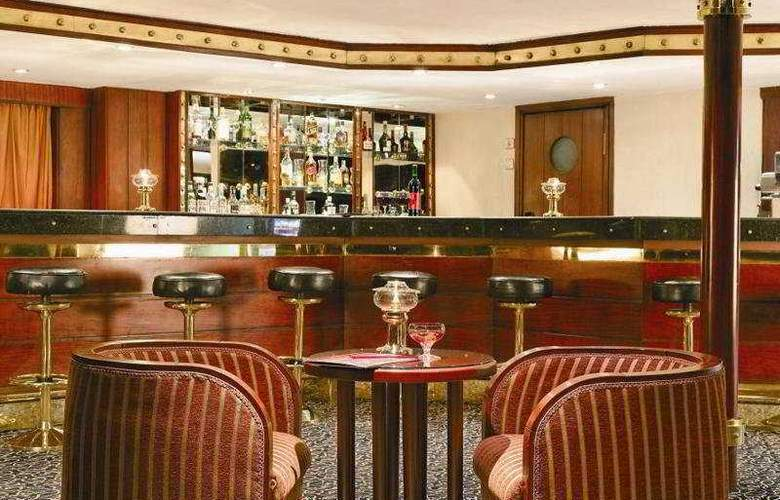 Moevenpick Radamis I Nile Cruise - Bar - 7