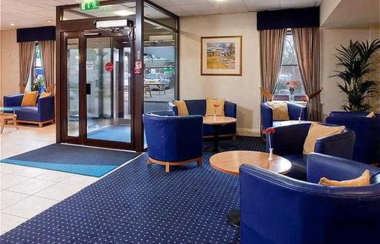 Holiday Inn Express Perth - General - 1
