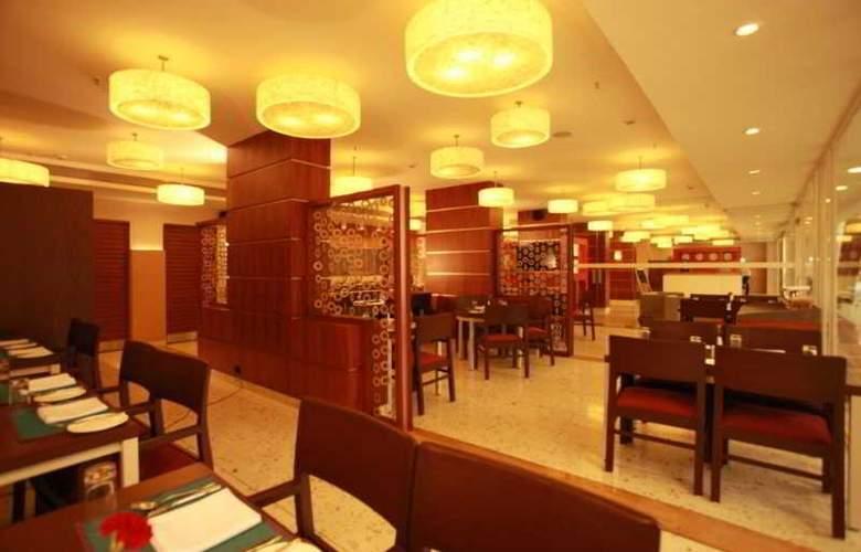 The HQ - Restaurant - 18