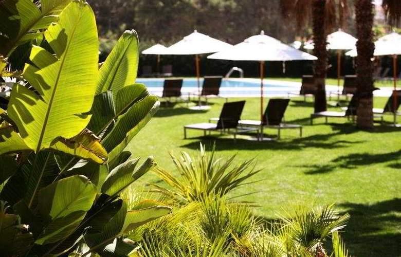 Gran Hotel Monterrey - Terrace - 10