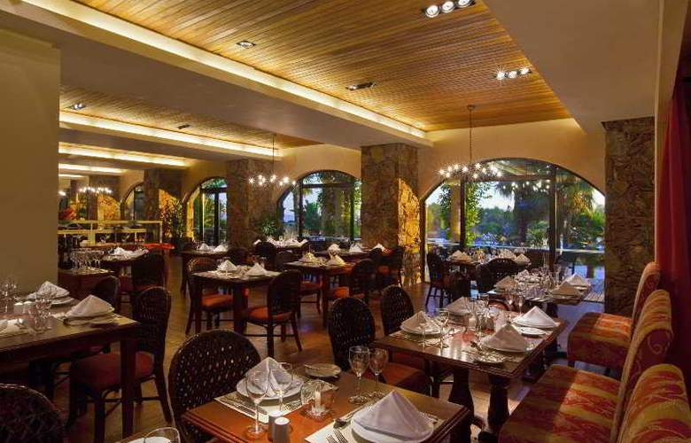 Sheraton Colonia Golf & Spa Resort - Restaurant - 6