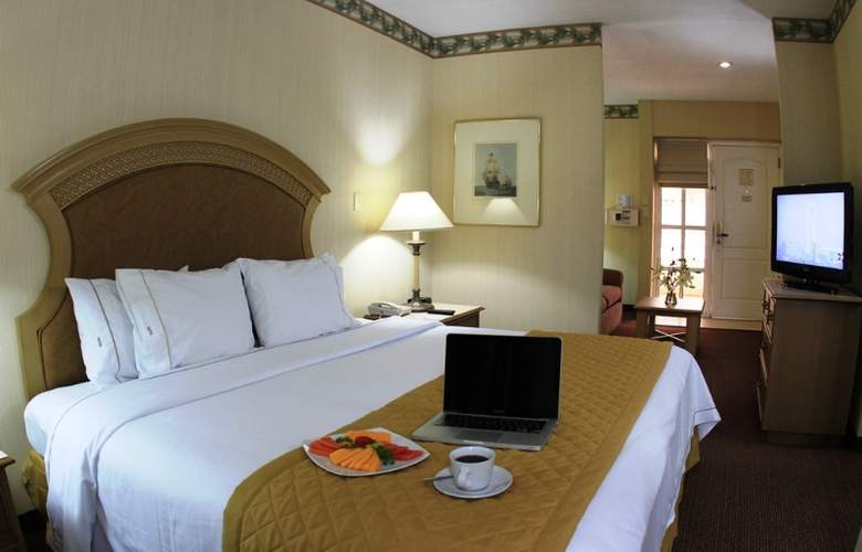 Best Western Plus Monterrey Colon - Room - 23
