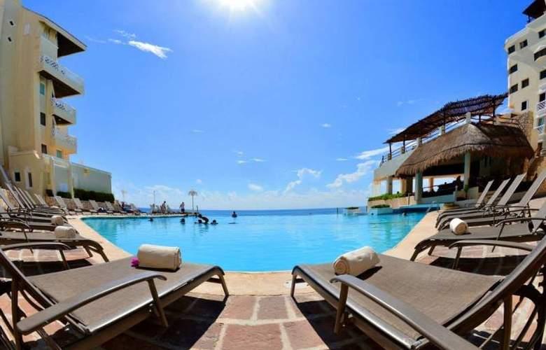 Bsea Cancun Plaza - Pool - 13
