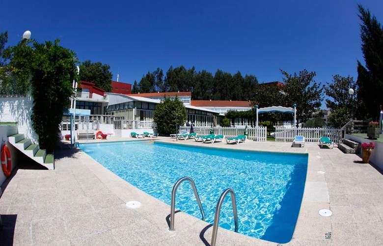 Compostela Inn - Pool - 2