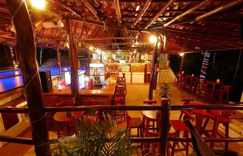 Best Western Tamarindo Vista Villas - Bar - 25