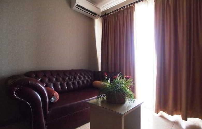 Romance - Room - 17