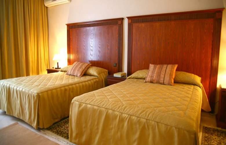 Azur - Room - 13