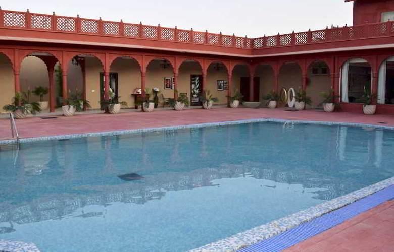 Vesta Bikaner Palace - Pool - 11