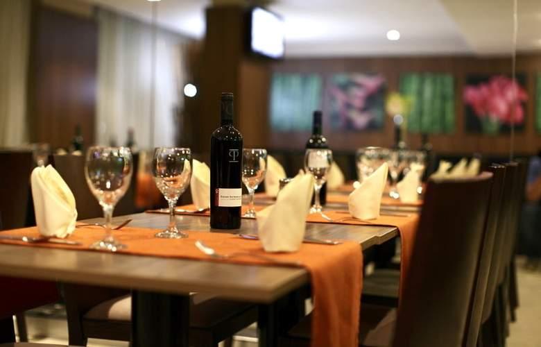 Wyndham Garden Hotel Panama City - Restaurant - 8