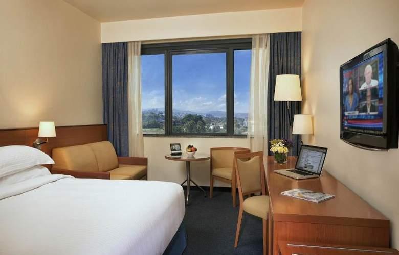 Tamar Rotana Hotel - Room - 1