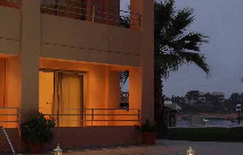 Anatoli Apartments - Pool - 9