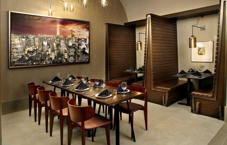 Cambria Hotel & Suites Times Square - Restaurant - 17