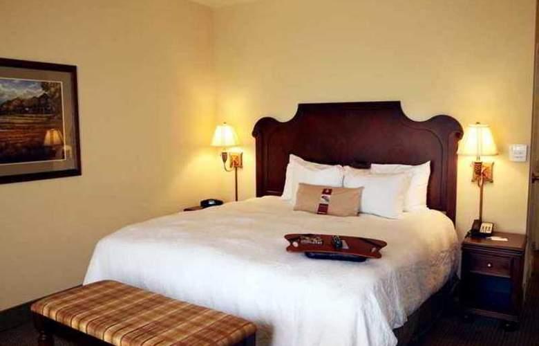 Hampton Inn and Suites - Hotel - 9