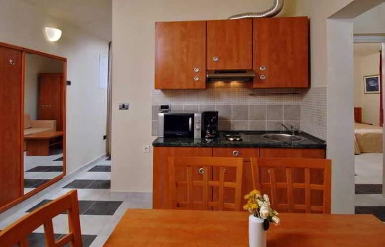 Amarin Resort Apartments - Room - 13