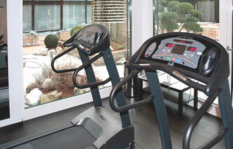 Ramada Nuernberg Parkhotel - Sport - 6
