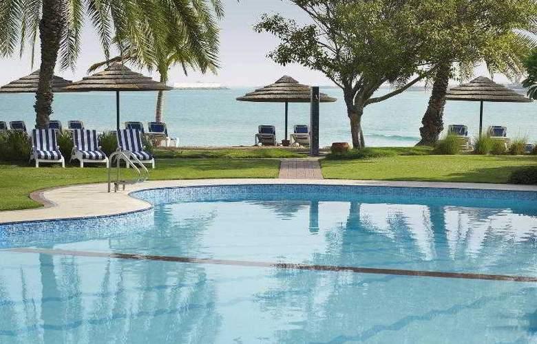 Le Meridien Abu Dhabi - Pool - 26