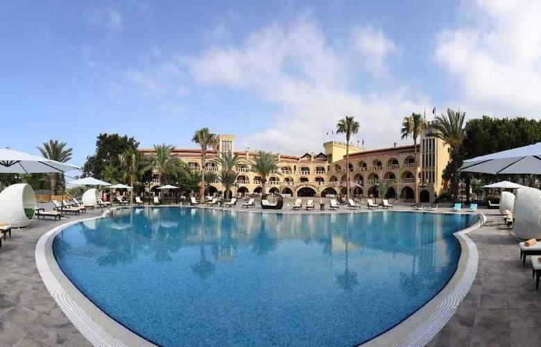 Chateau Lambousa Hotel - Pool - 17