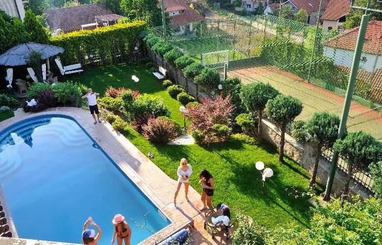 Villa Saga Paradiso - Pool - 48