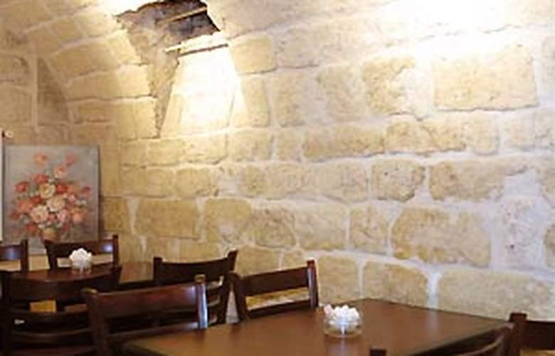 Little - Restaurant - 3