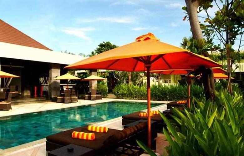 Sun Island Boutique Villas - Pool - 7