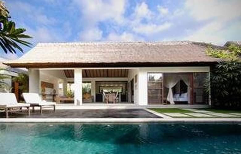 Villa Bali Asri - Pool - 9