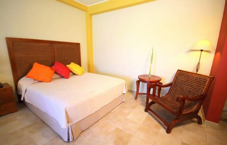 Hesperia Playa el Agua - Room - 0
