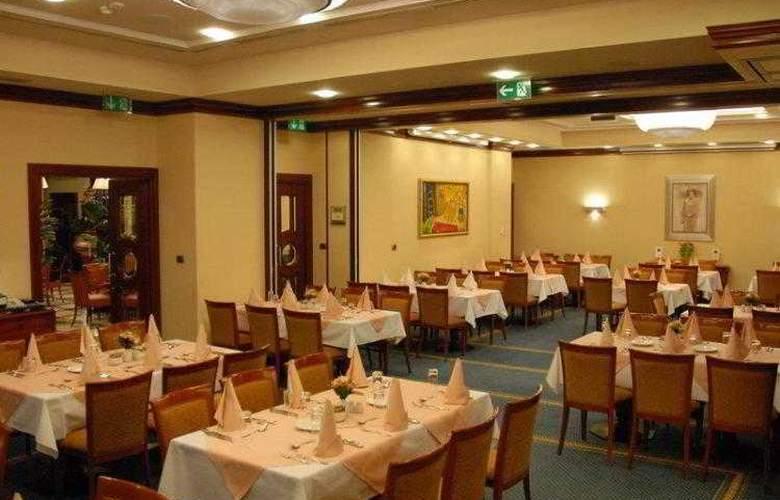 Best Western Premier Astoria - Hotel - 9
