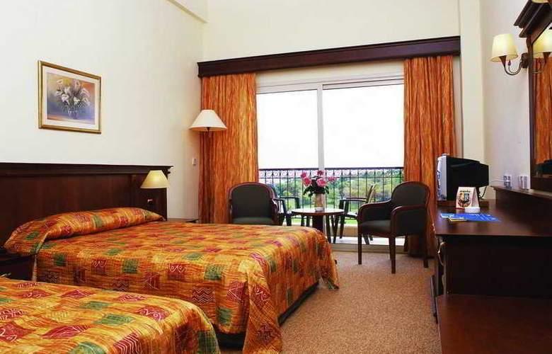 Acapulco Beach Club and Resort - Room - 4