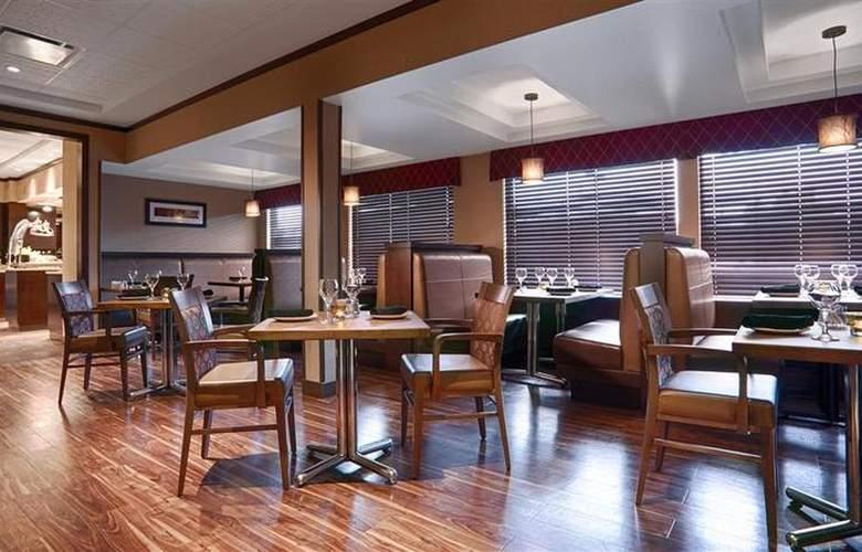 Best Western Plus Denham Inn & Suites - Restaurant - 117