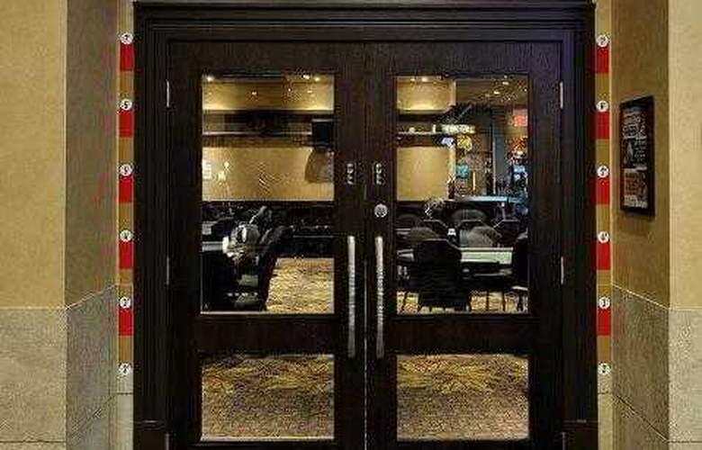 Best Western Plus Camrose Resort & Casino - Services - 31