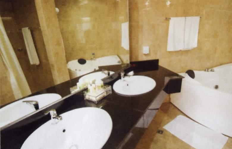 Ritz Victoria Garden - Room - 12