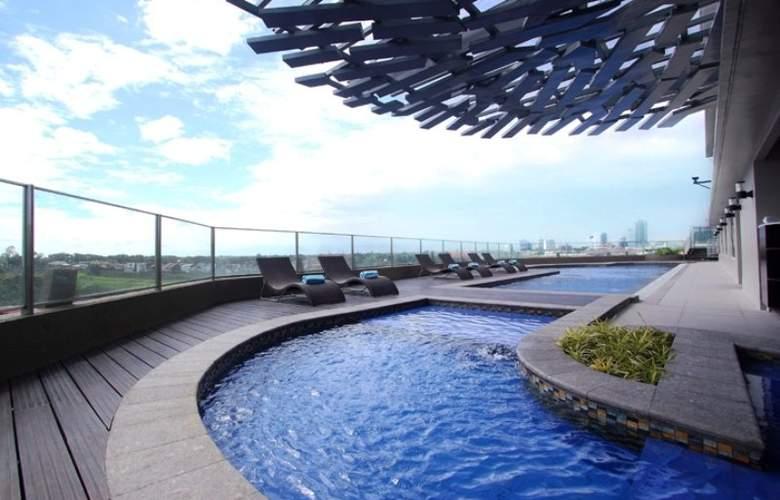 Acacia Hotel Manila - Pool - 6