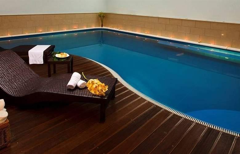 Royal Palm - Pool - 4