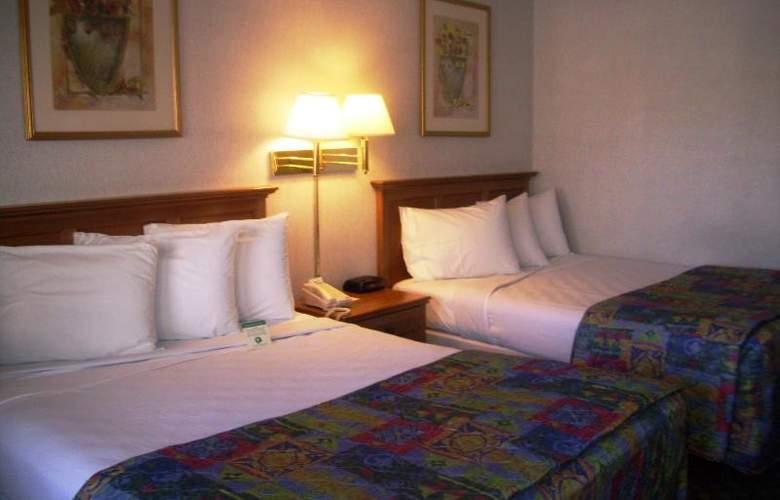 Americas Best Value Inn Austin - Room - 2