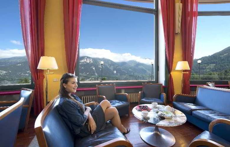 Grand Hotel La Torre - Bar - 10