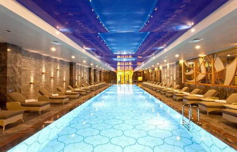 Thor Luxury Hotel & Villas - Pool - 18
